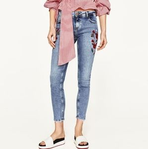 ZARA BASIC Floral Embroidered Distressed Jean's 8